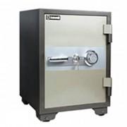 (FORA DE LINHA) Cofre à prova de fogo Safewell YB-530A - Medidas Externas (AxCxP): 600x460x470mm, Capacidade: 39L, Trava mecânica e 2 chaves