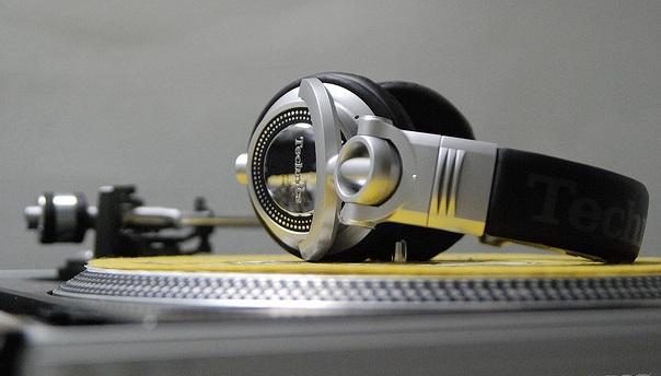 FONE DE OUVIDO Panasonic - RP-DH1200PPS - DJ Headphone Technics