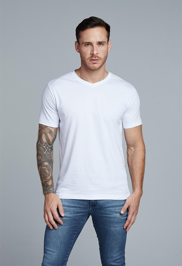 Camiseta Básica Gola V