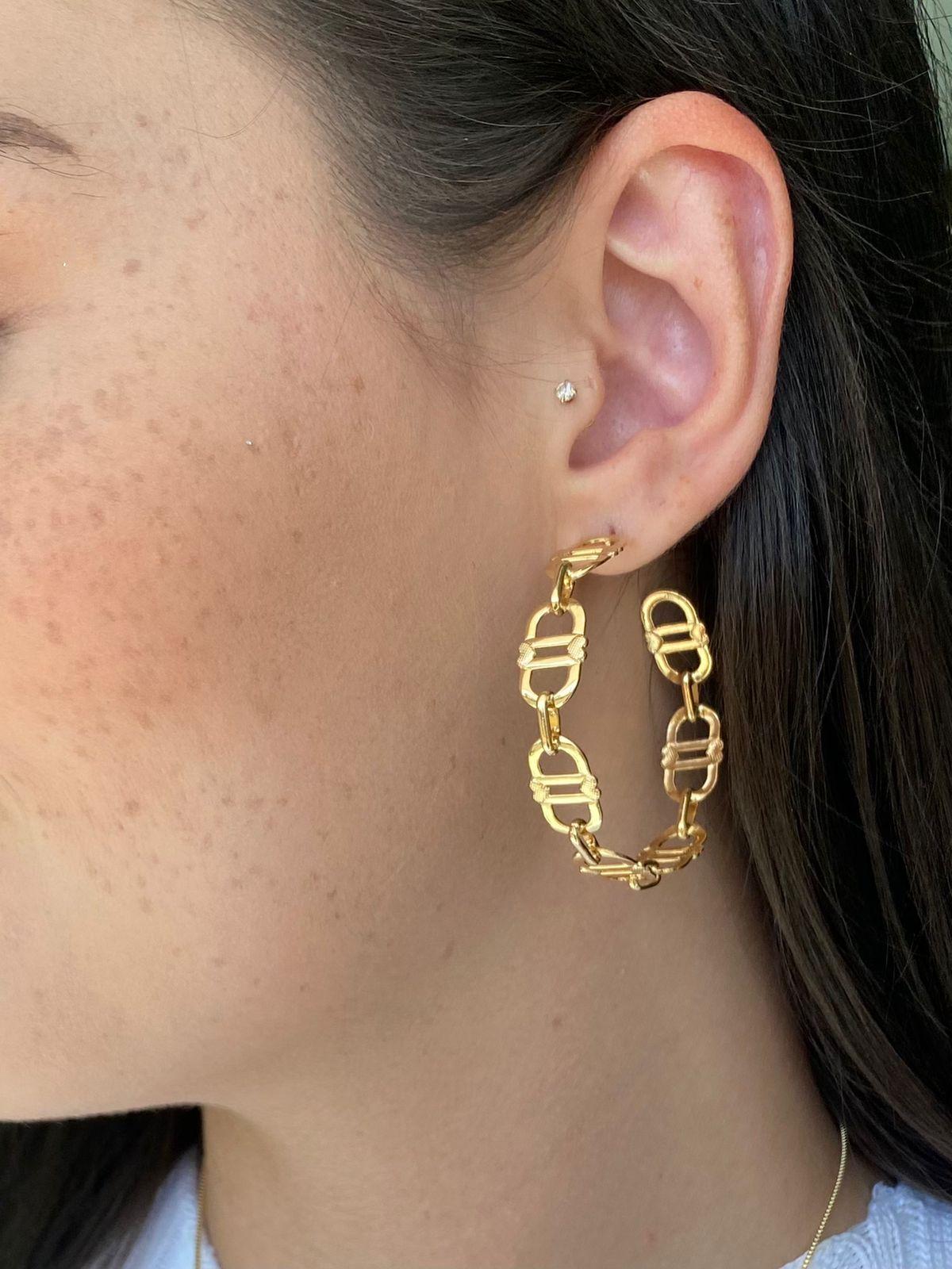 Argola | dourado | Elos | Inspiração Dior
