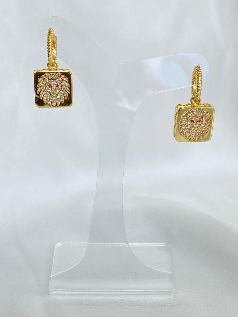 Argola | Dourado | Leão | Cravejado