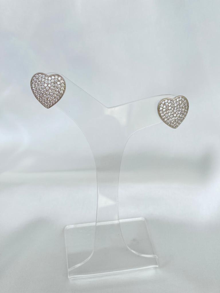 Brinco | Coração | Ródio Branco | Cravejado | Cristal