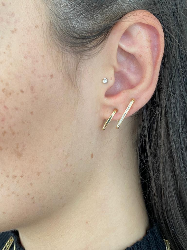 Brinco | Ear Hook | Dourado | Cravejado