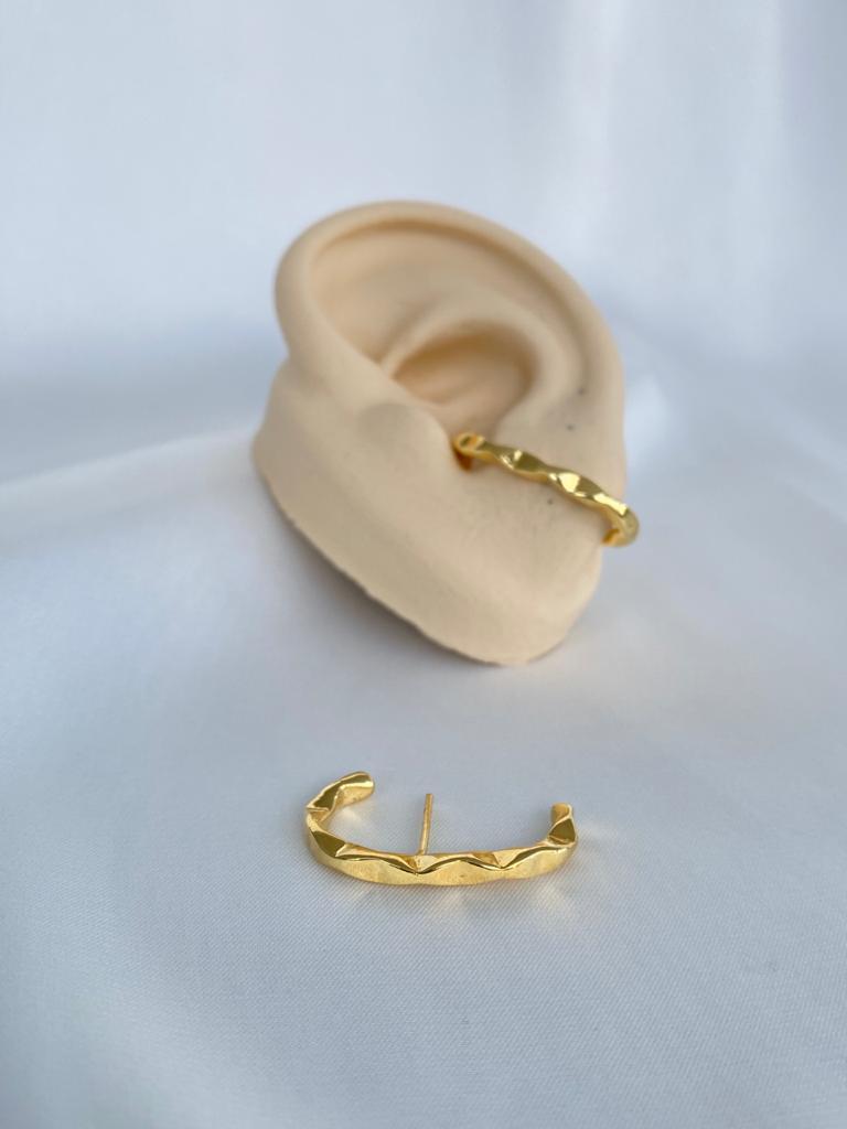 Brinco | Ear Hook | Dourado | Inspiração Juliette