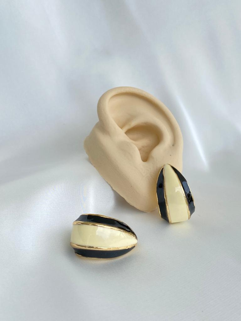 Brinco   P&B   Ear Hook Listras
