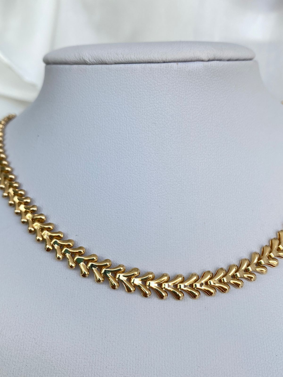 Colar | Chocker | Dourado | Coroa de Laurel