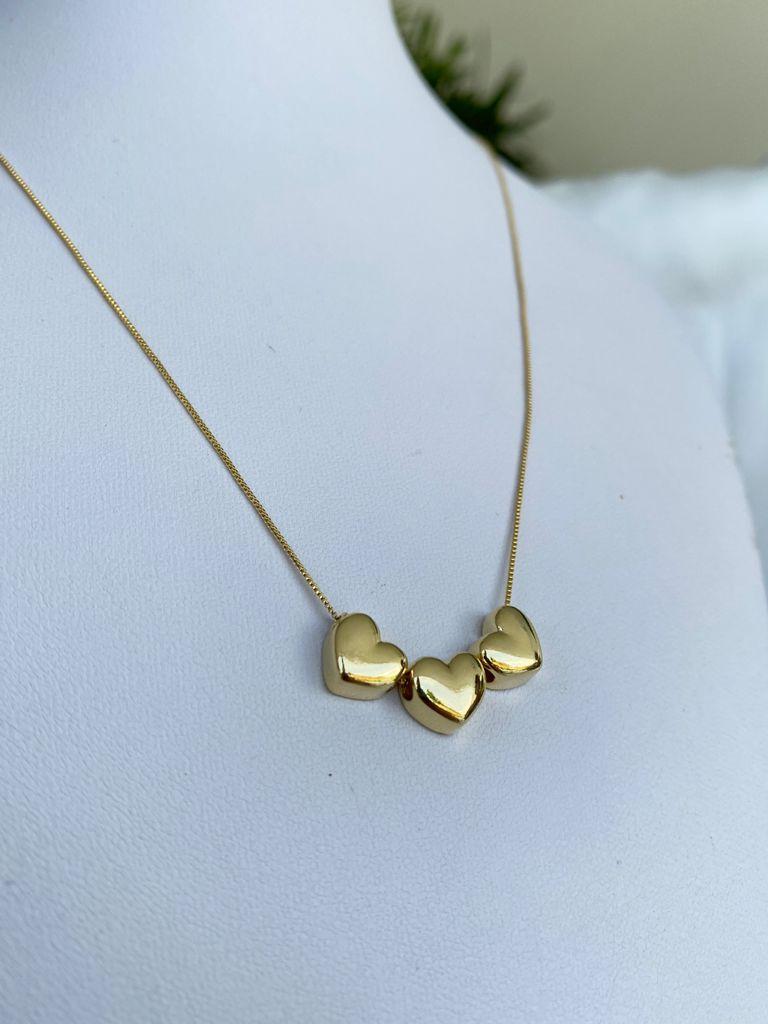 Colar | Dourado | Pingente Três Corações