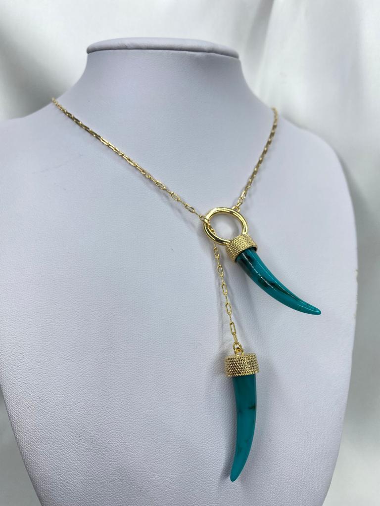 Colar | Gravatinha | Dourado | Dente de Sabre | Turquesa