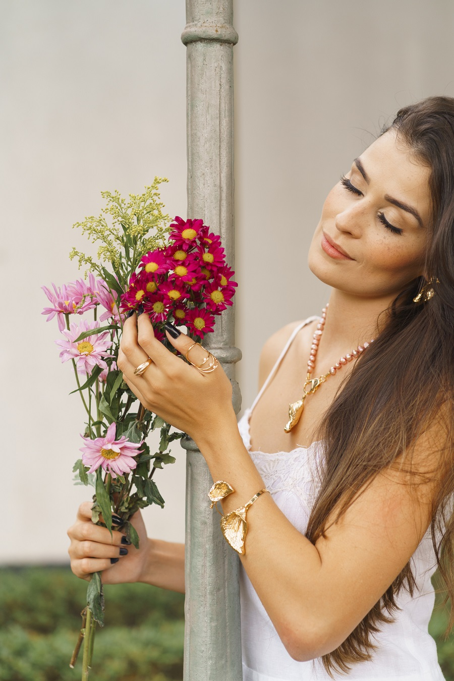 Colar | Pérolas Rosas | Copo de Leite | Dourado