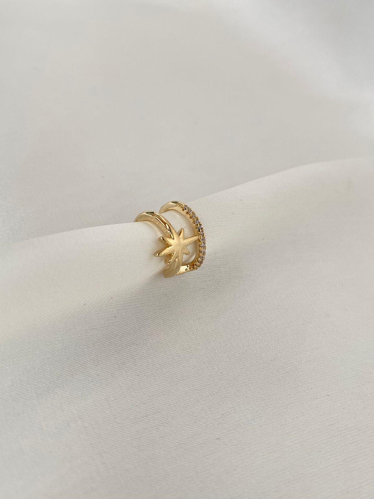 Piercing | Dourado | Cravejado | Estrela Vitoriana
