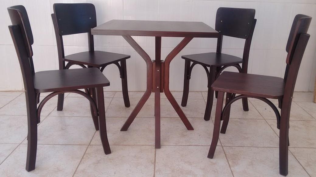 Mesa de Madeira com 4 cadeiras para Bar e Restaurante 70x70 MAQCB700