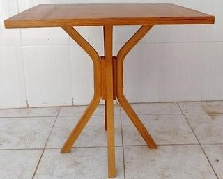 Mesa pe central para bar 60x60 Mel MFAQ600