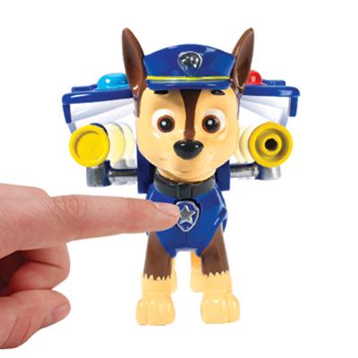 Boneco com Distintivo Patrulha Canina Chase - Sunny