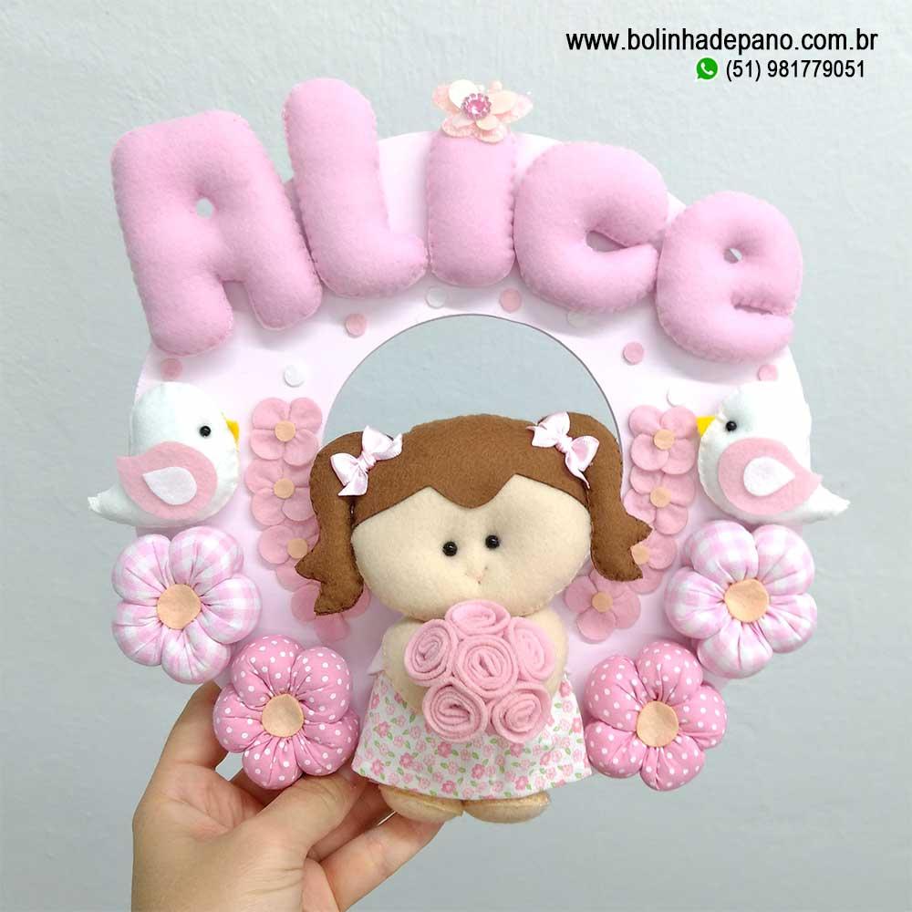 Enfeite Porta Maternidade Boneca com flores Passarinho
