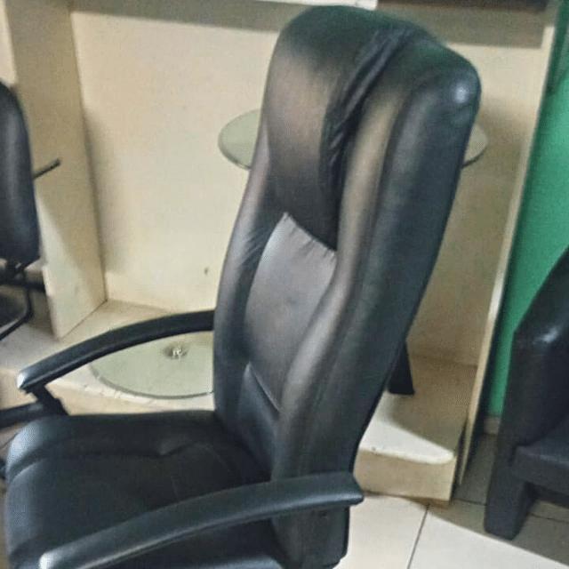Cadeira Presidente Luxo F4854-Preta