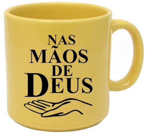 Caneca Cristã - Nas Mãos de Deus - Feito em Plástico Resistente - Ideal para seu Dia a Dia, Lembranças ou Revenda - Em Polipropileno - 400 ml - Cor Amarela