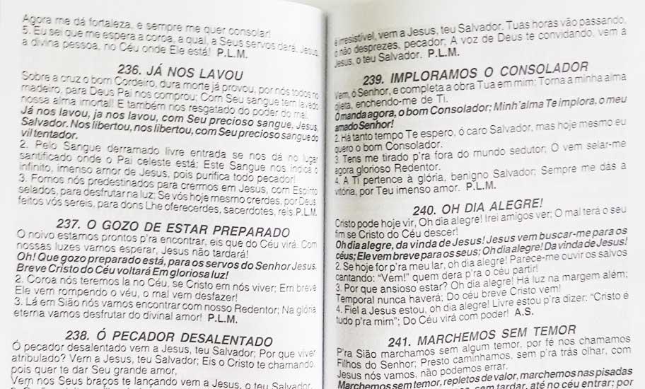 Hinário Pentecostal - Harpa Cristã - Possui LETRAS GIGANTES - Tamanho Grande - Acompanha Grátis 53 Corinhos Pentecostais Conhecidos - Jasmim