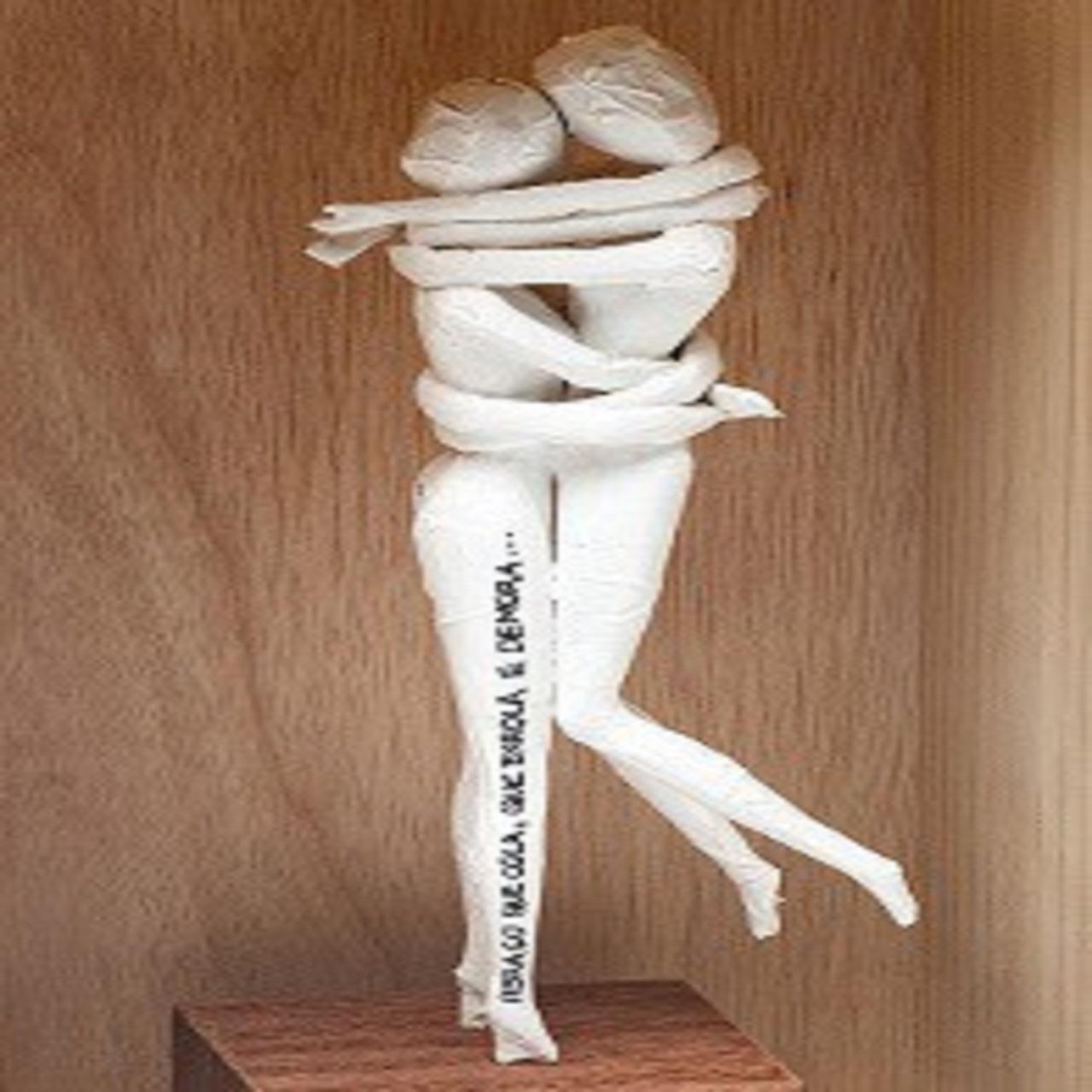 Escultura Abraço