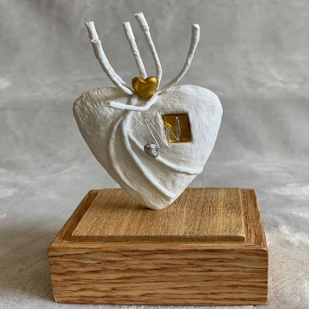 Escultura PP Coração Guirlanda | dourada