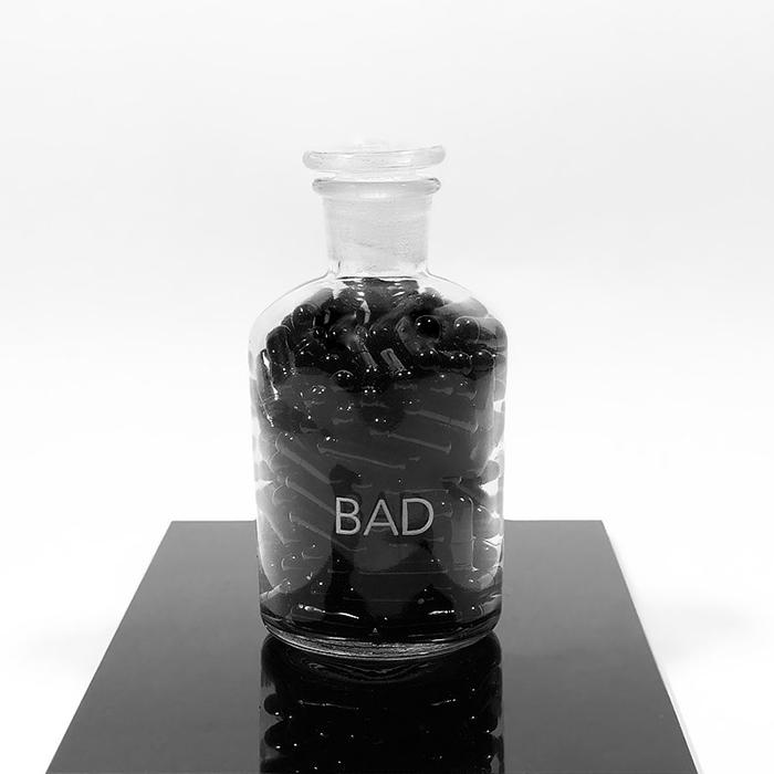 Pills Bad | preta