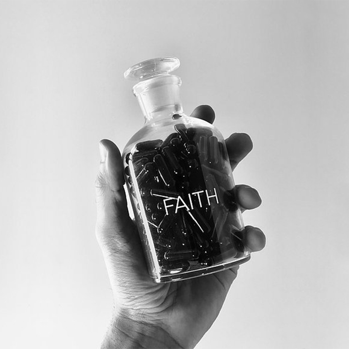 Pills Faith | preta