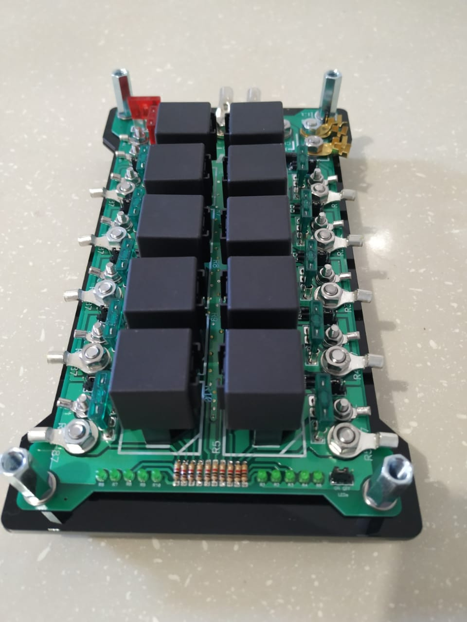 Módulo de distribuição de potência PRM-10