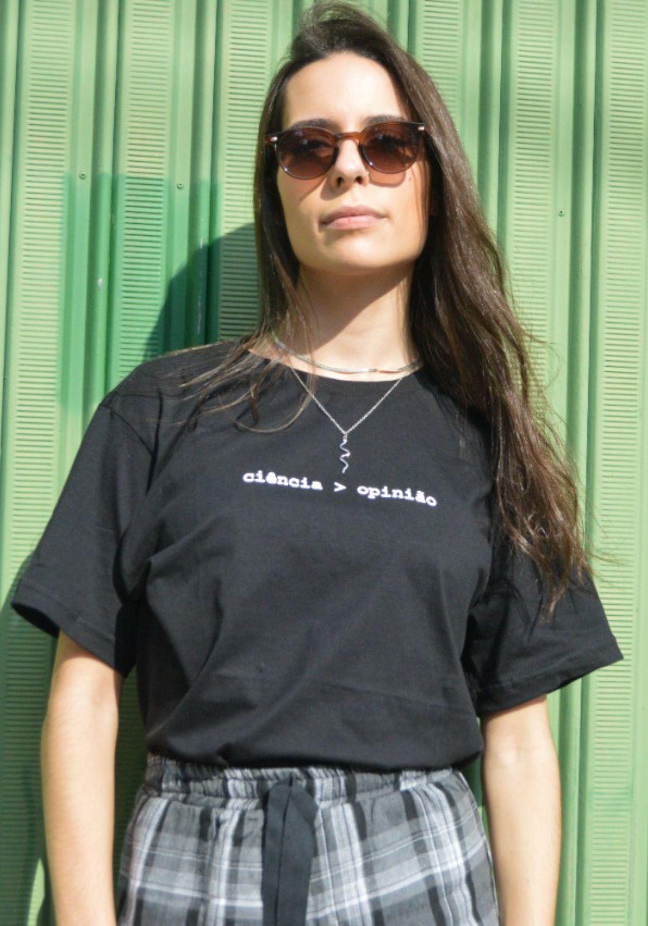 Camiseta Básica Ciência > Opinião
