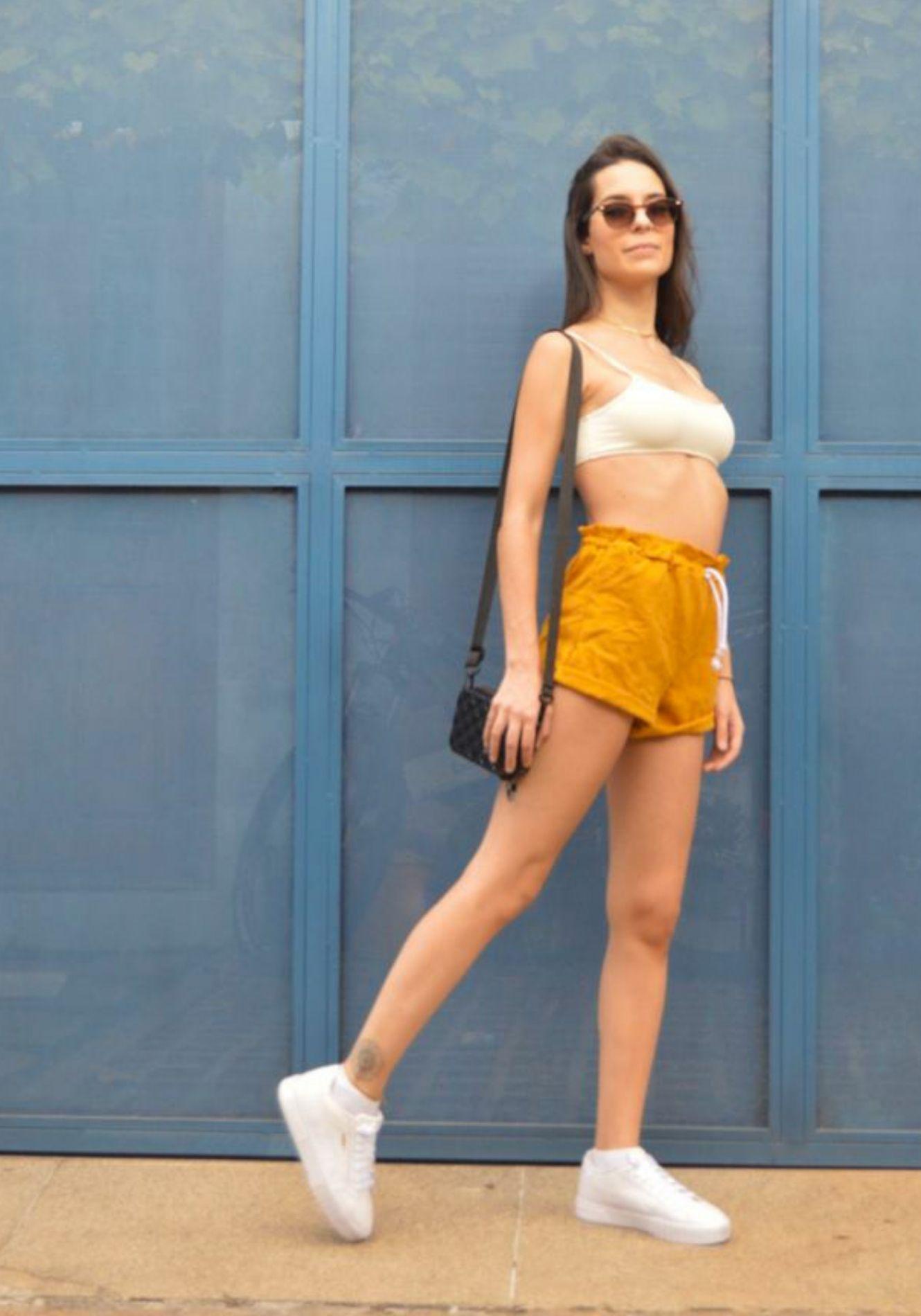 Shorts de Linho com Elástico na Cintura e Bolsos Laterais
