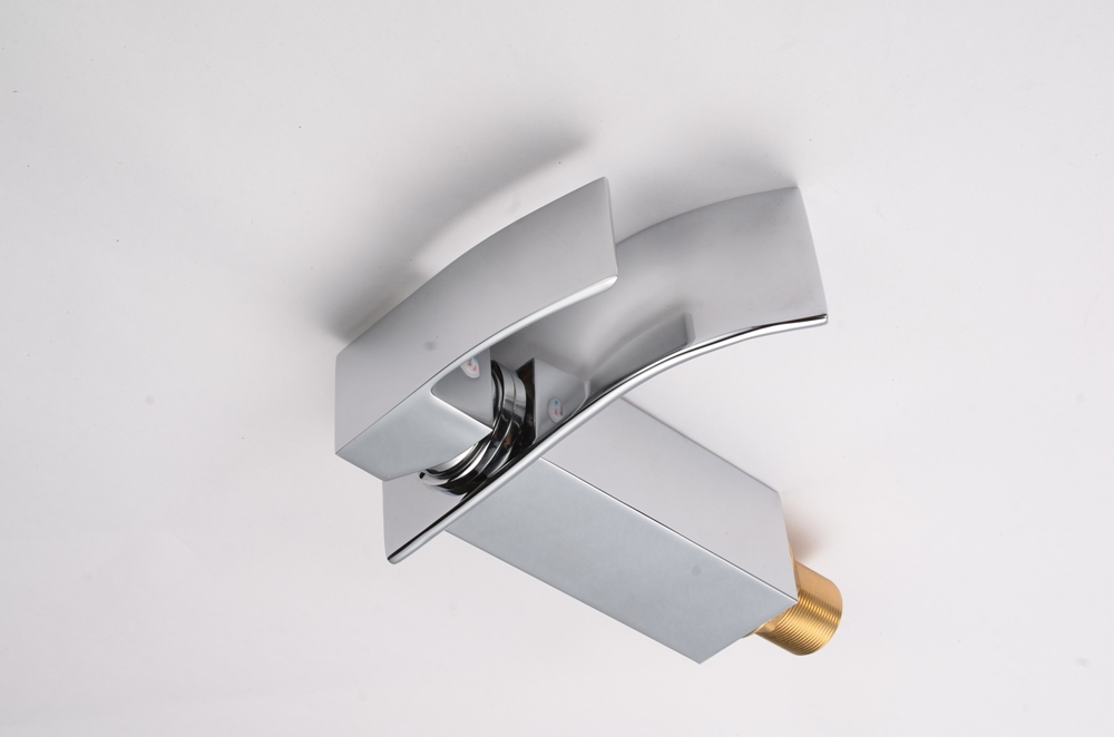 Torneira Cascata Slim com Misturador Monocomando Loomix P-020