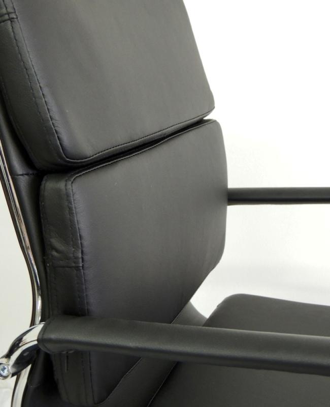 Cadeira Interlocutor Design Charles Eames em Couro PU Preta Pelegrin PEL-7089V