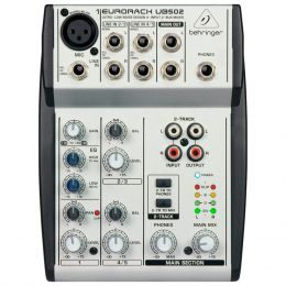 UB502 - Mesa de Som / Mixer 5 Canais Eurorack UB 502 - Behringer