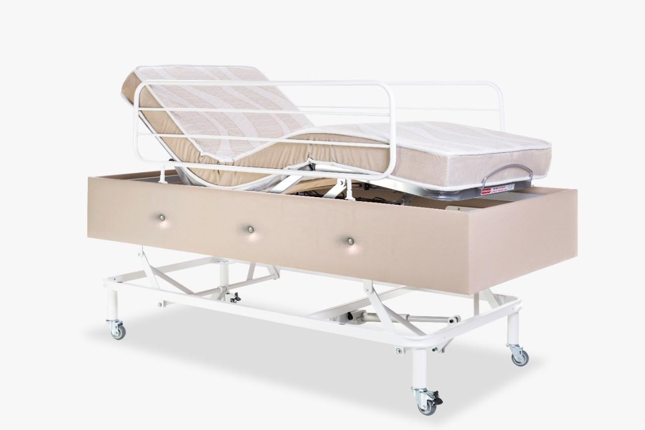 Cama Hospitalar Motorizada com Elevação do Leito Medical-Confort Pilati c/ Colchão Original Pilati c/ Rodas Grades