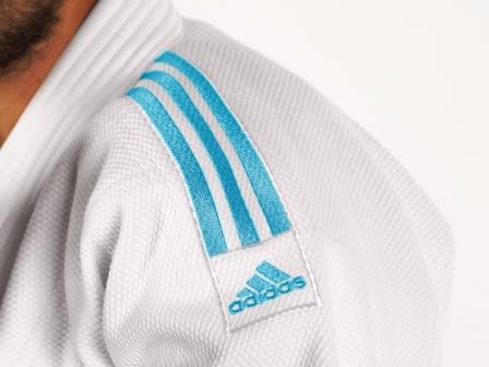 Kimono Judô adidas J990 Millenium Branco com listra Azul