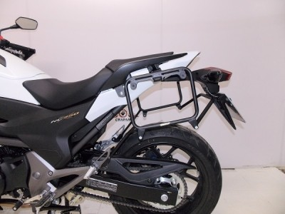 Suporte Lateral Chapam Preto para Side Case Givi - NC 700 / 750 - Honda