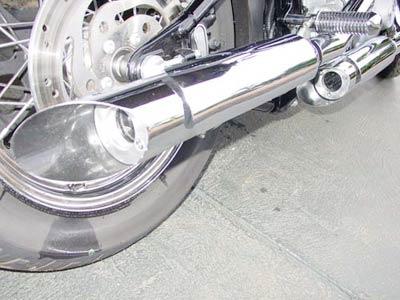 Escapamento Esportivo Scorpion Modelo V-Rod com Chanfro Lateral Cromado HD SportSter XL 883 / 1200 2004 até 2010 - Harley Davidson