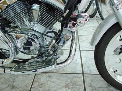 Protetor de Motor / Mata Cachorro Com Pedaleira Cromado V-Blade 250 - Sundown