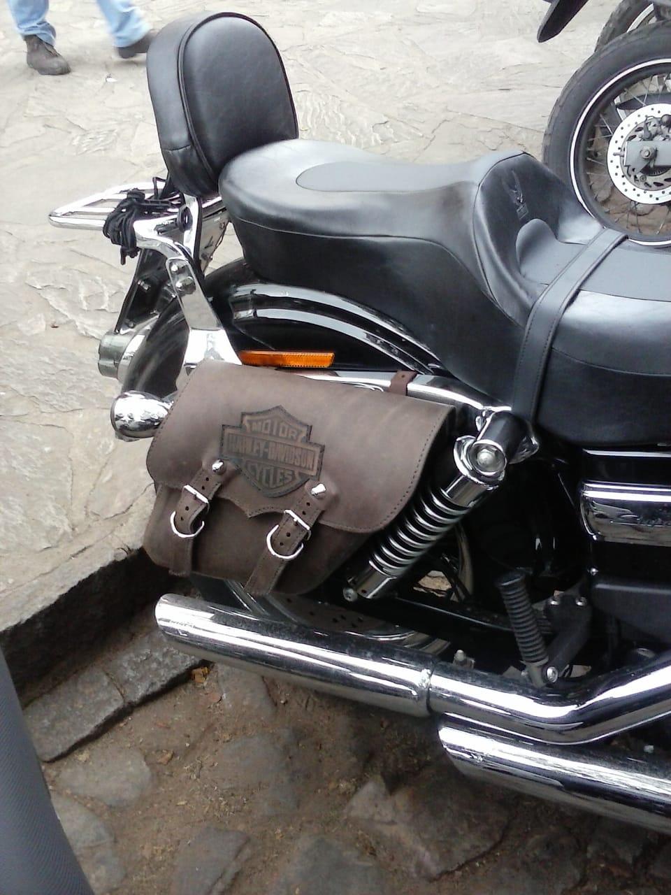 Alforges / Bolsas Laterais (PAR) Rider's Classic em Couro com Gravação Modelo Dyna - Universal