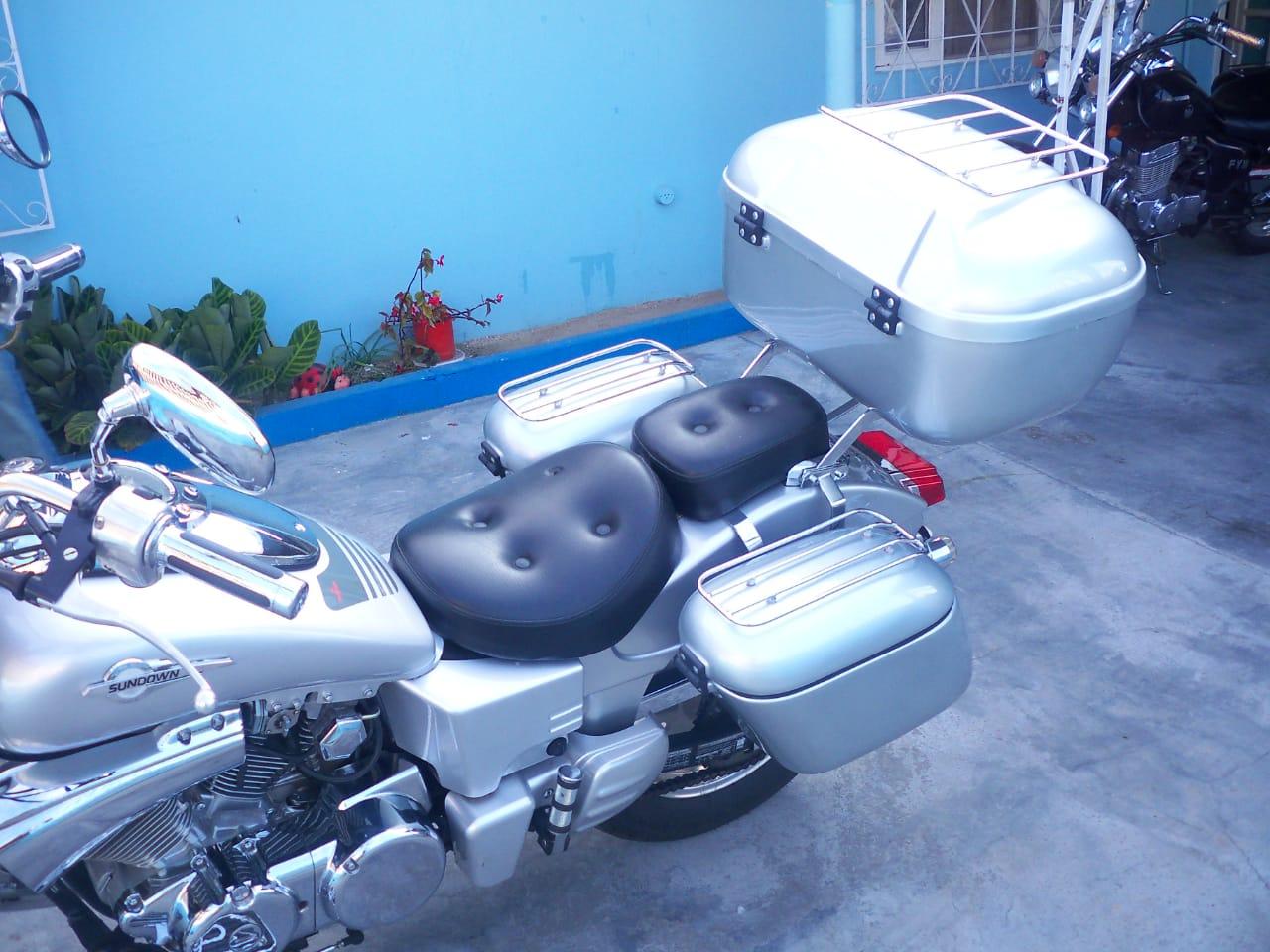 Baú / Bauleto (Alforge) Lateral (PAR) + Suporte Bult Modelo BM1020  - Motos Sundow