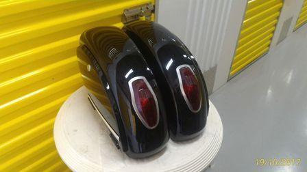 Baú / Bauleto (Alforge) Lateral (PAR) + Suporte Bult Modelo LN 25 Litros - Motos Sundow