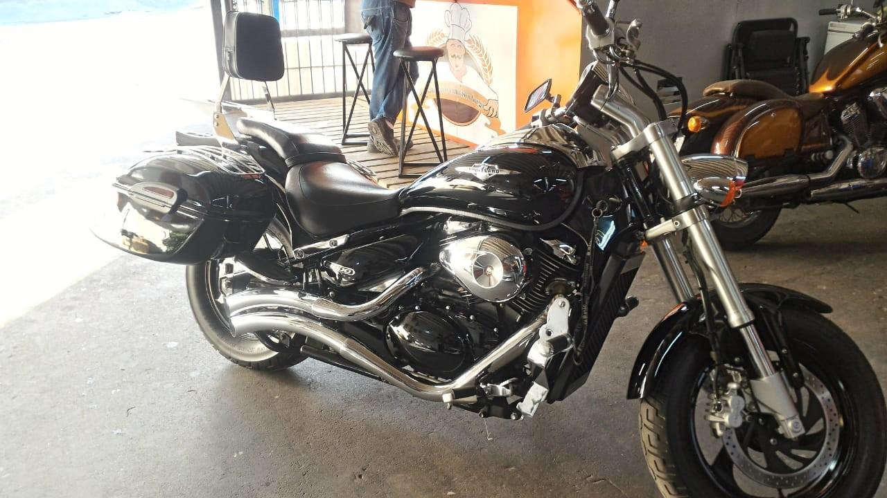 Baú / Bauleto (Alforge) Lateral (PAR) + Suporte Bult Modelo Classic 45 litros - Motos Suzuki