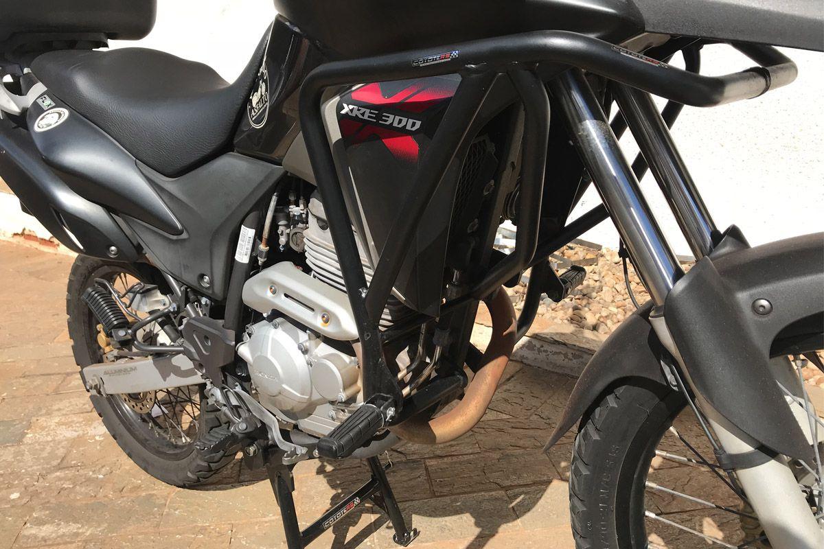 Protetor de Motor e Carenagem Coyote + Bolsas em Nylon (Lado Direito + Esquerdo) - XRE 300 - Honda
