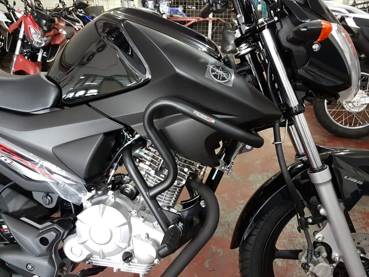 Protetor de Motor e Carenagem Coyote Preto com Pedais - Factor 150 / Fazer 150 - Yamaha