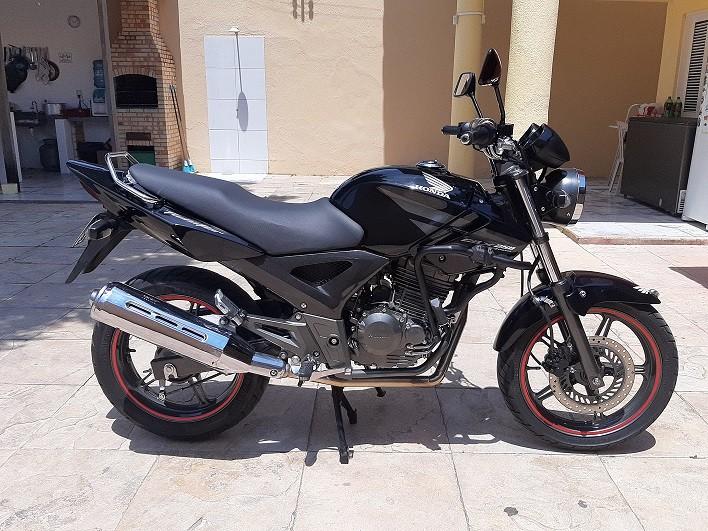 Protetor de Motor e Carenagem Coyote Preto com Pedais - Twister CBX 250 até 2008 - Honda