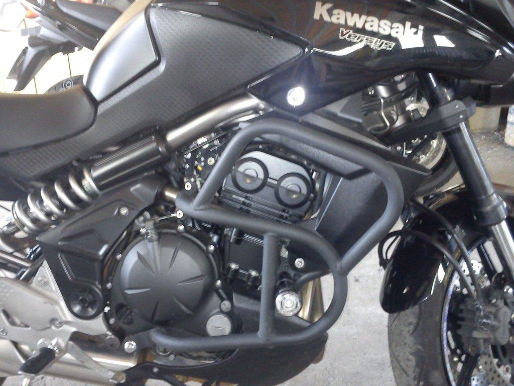 Protetor de Motor e Carenagem Modelo Livi Preto Fosco - Versys 650 até 2015 - Kawasaki