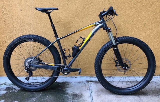 Bicicleta Specialized Fuse 27.5 Plus - Semi-nova