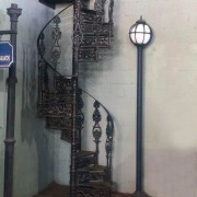 Escada Caracol com Altura de 2,80 mts, Diâmetro de 1,10 mts e Patamar Redondo