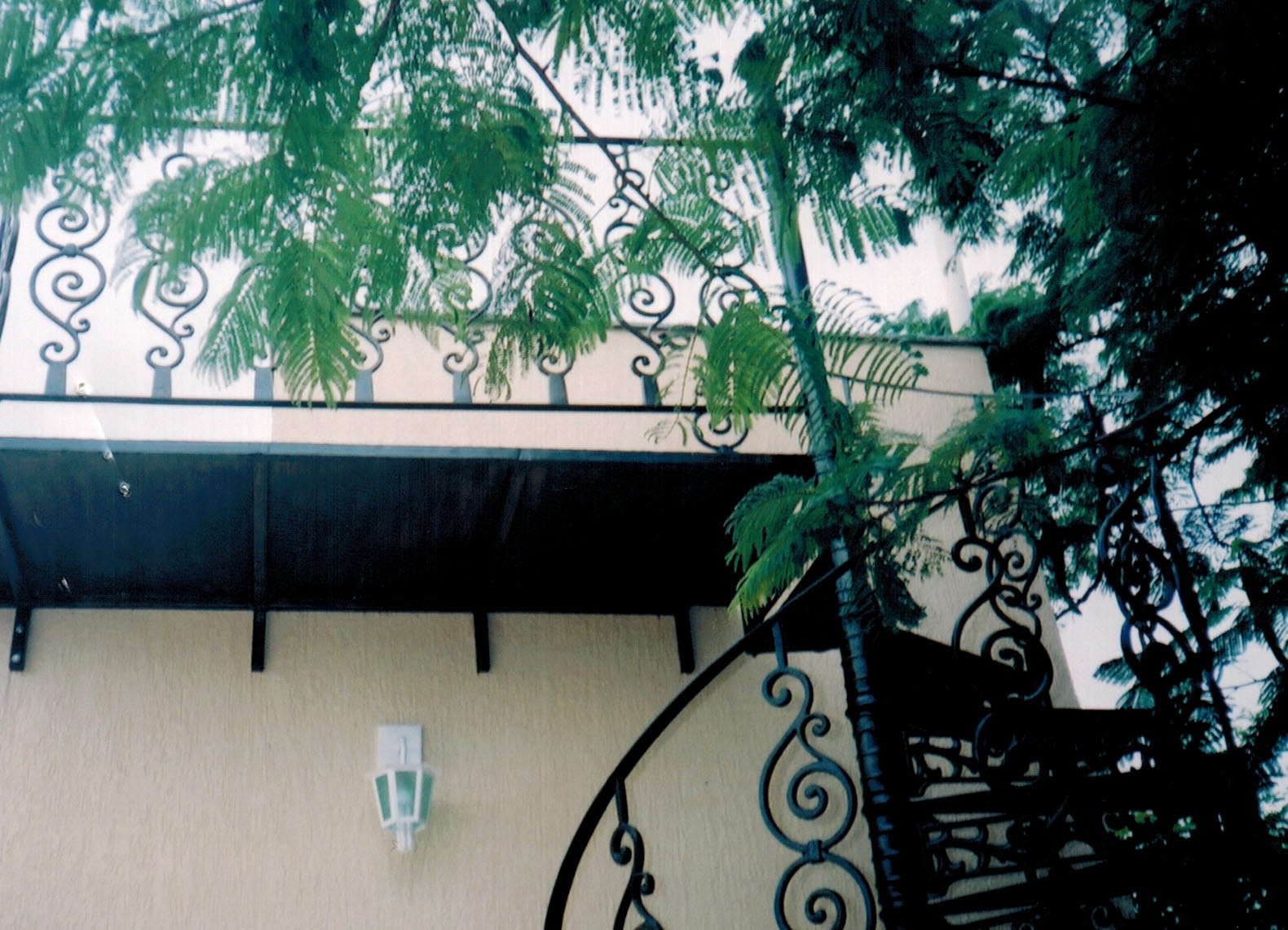 Escada Caracol Em Ferro Fundido - FUNDIÇÃO VESUVIO