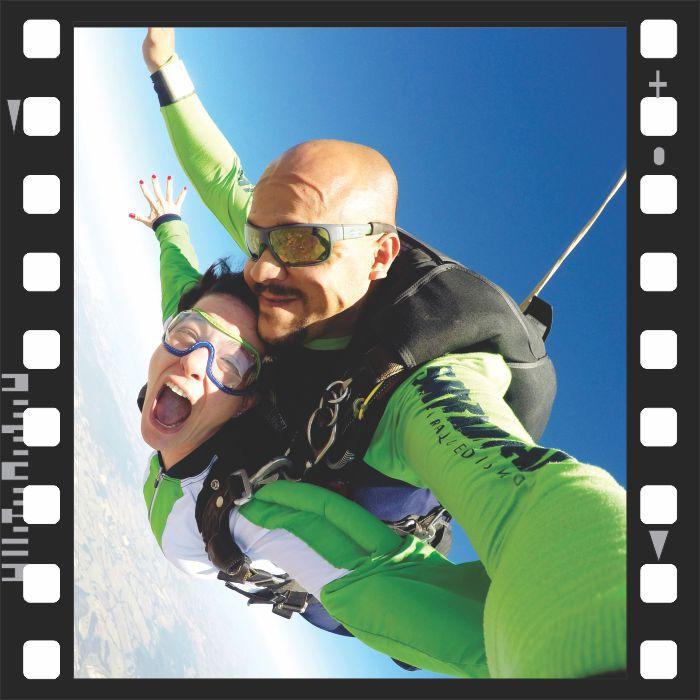 SALTO DUPLO CHALLENGE COM FILMAGEM + 250 FOTOS HD HANDYCAM  - SkyRadical Paraquedismo