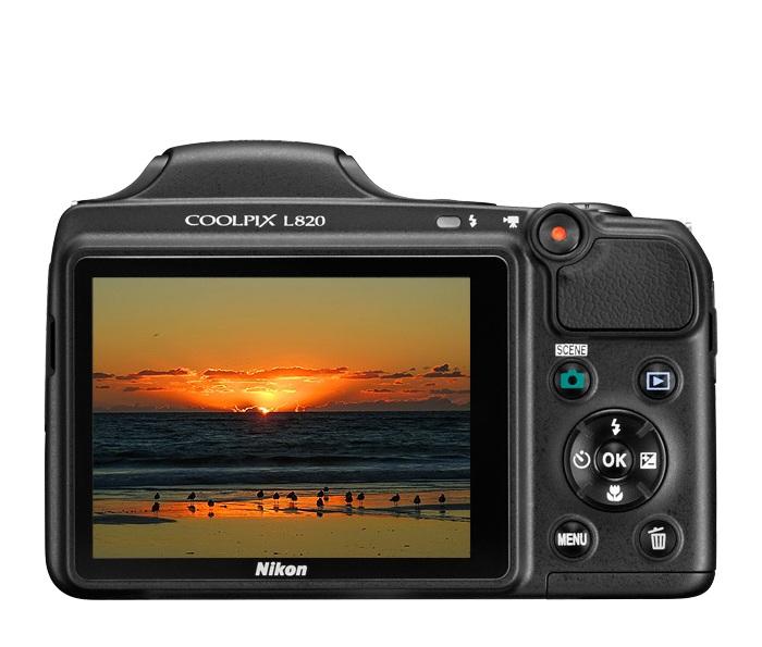 "Câmera Digital Nikon Coolpix L820 + SD 16GB + Bolsa  - 16MP, Sensor CMOS, Zoom Óptico 30x, EXPEED C2, Tela de 3"""