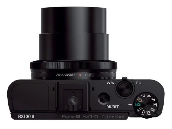 Câmera Digital Sony DSC-RX100 (20.2 MP, Zoom Óptico 3,6x, LCD 3.0´)